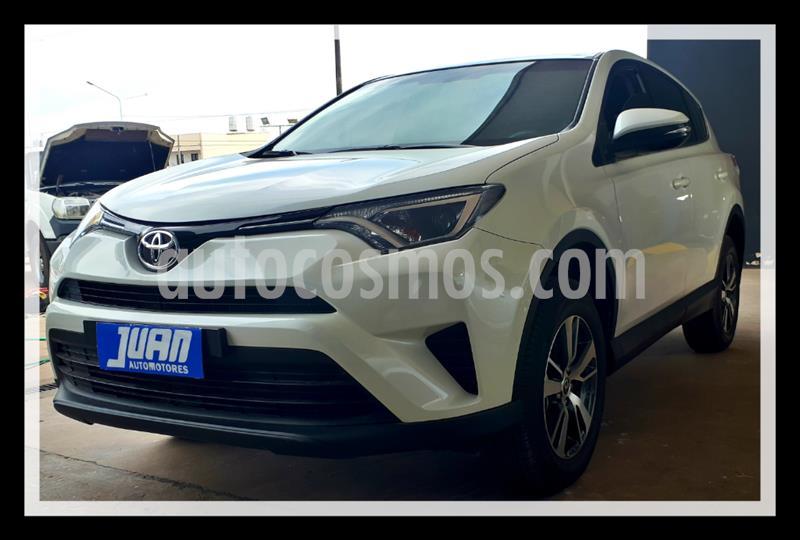 Toyota RAV4 HV 2.5 XLE 4x2 Hibrida usado (2019) color Blanco precio $2.590.000