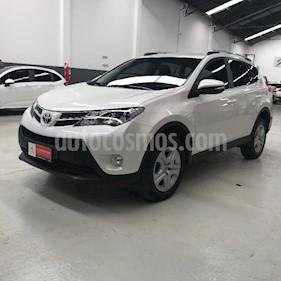 foto Toyota RAV4 2.0L 4x4 TD usado (2014) color Blanco precio $1.390.500
