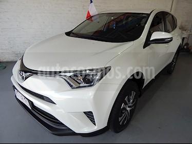 Toyota Rav4 2.0 Lujo 4X2 usado (2016) color Blanco precio $10.500.000