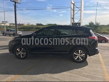Toyota RAV4 LE usado (2017) color Negro precio $280,000