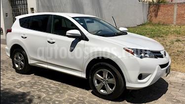 Foto Toyota RAV4 LE usado (2015) color Blanco precio $240,000