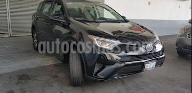 Foto venta Auto Seminuevo Toyota RAV4 LE (2017) color Negro precio $319,900