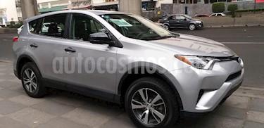 Foto venta Auto usado Toyota RAV4 LE (2017) color Plata precio $299,000