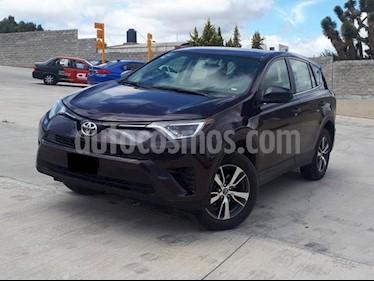 Foto venta Auto usado Toyota RAV4 LE (2017) color Azul precio $305,000