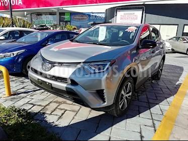 Foto venta Auto usado Toyota RAV4 LE (2017) color Plata precio $329,000