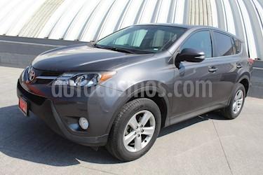 Toyota RAV4 XLE usado (2014) color Gris precio $239,000