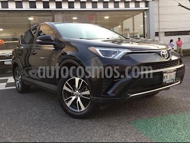 Toyota RAV4 XLE usado (2016) color Negro precio $350,000