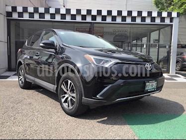 Toyota RAV4 XLE usado (2016) color Negro precio $280,000