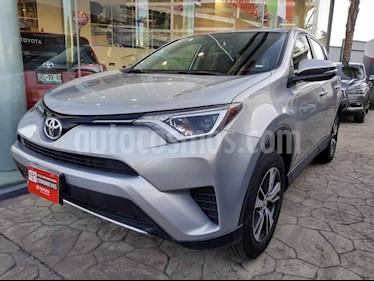 Toyota RAV4 5p XLE L4/2.5 Aut usado (2018) color Plata precio $365,000