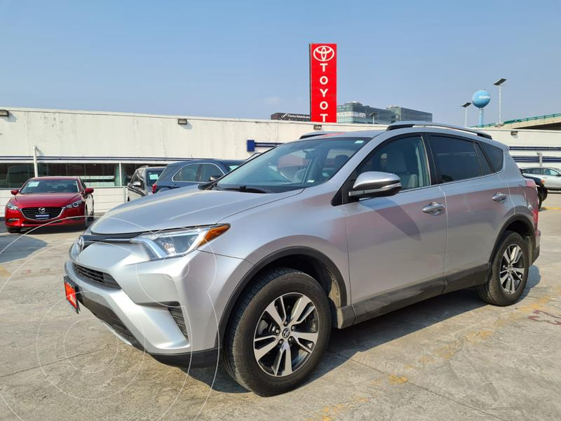 Foto Toyota RAV4 XLE 4WD usado (2016) color Plata precio $315,000