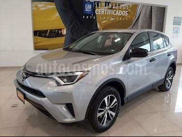 Toyota RAV4 LE usado (2018) color Plata precio $289,900