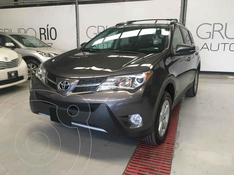 Toyota RAV4 XLE 4WD usado (2013) color Gris precio $235,000