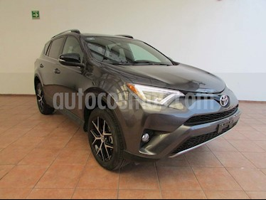 Toyota RAV4 SE 4WD usado (2017) color Gris precio $365,000