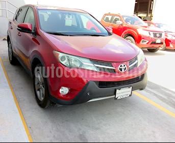 Toyota RAV4 XLE usado (2015) color Rojo precio $245,000