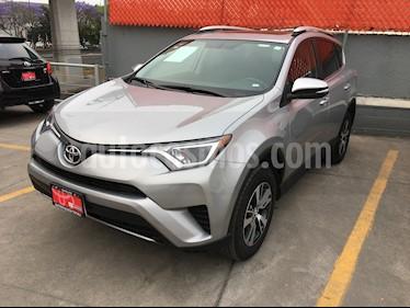 Toyota RAV4 XLE usado (2018) color Plata precio $359,000