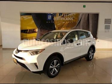 Toyota RAV4 5P LE L4 TA RA-17 usado (2018) color Blanco precio $289,366