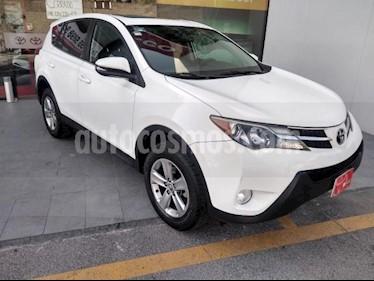 Toyota RAV4 5P XLE L4 TA QC F. NIEBLA RA-17 4X4 usado (2015) color Blanco precio $245,000