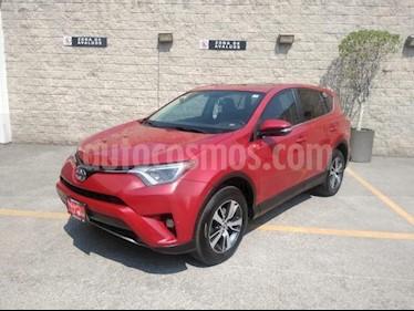 Toyota RAV4 5P XLE L4 TA QC F. NIEBLA RA-17 4X4 usado (2016) color Rojo precio $268,000
