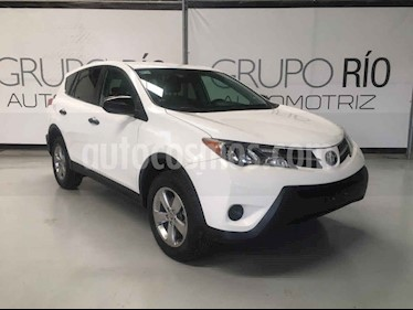 Toyota RAV4 LE usado (2015) color Blanco precio $239,000