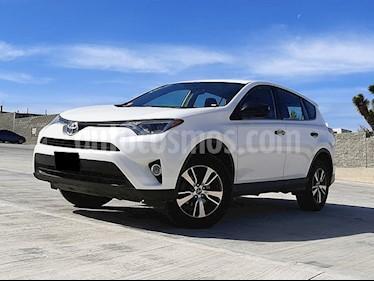 Toyota RAV4 LE usado (2016) color Blanco precio $274,000