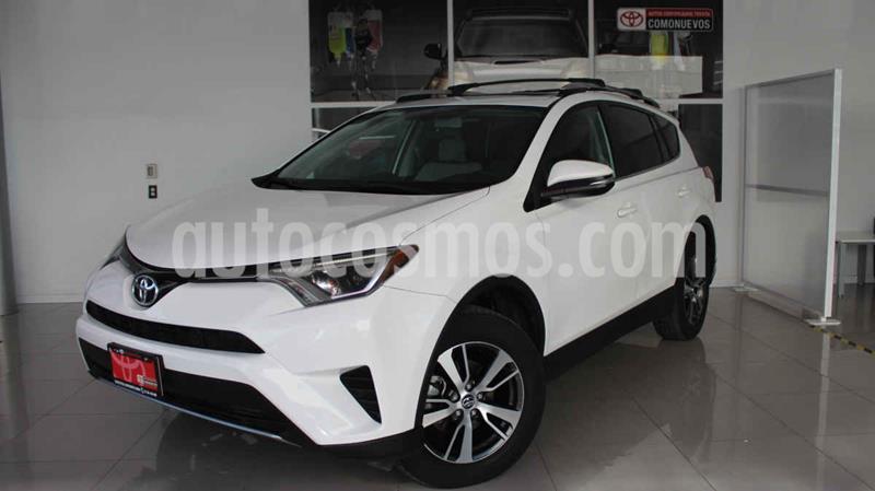 Toyota RAV4 XLE 4WD usado (2017) color Blanco precio $340,000