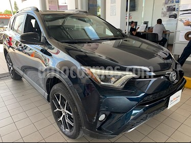 Toyota RAV4 SE 4WD usado (2017) color Azul precio $349,900