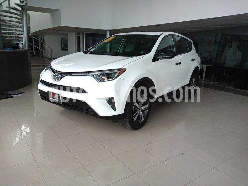 Toyota RAV4 2.5L Base usado (2018) color Blanco precio $308,900