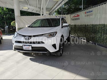 Toyota RAV4 XLE usado (2017) color Blanco precio $315,000