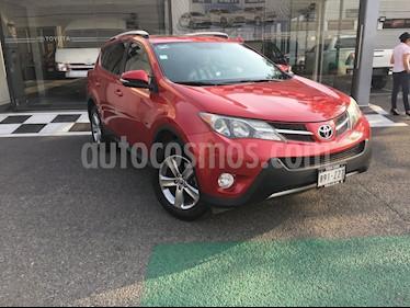 Toyota RAV4 XLE usado (2015) color Rojo precio $250,800