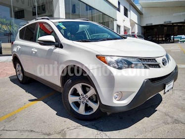 Toyota RAV4 5p Limited L4/2.5 Aut usado (2015) color Blanco precio $258,000