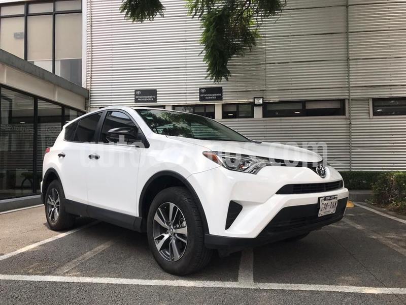 Toyota RAV4 LE usado (2017) color Blanco precio $278,000