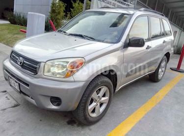 Toyota RAV4 2.4L Base usado (2005) color Plata precio $149,000