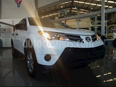 Toyota RAV4 LE usado (2015) color Blanco precio $339,000