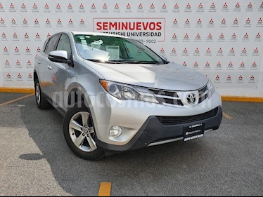 Toyota RAV4 XLE 4WD usado (2015) color Plata precio $245,000