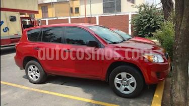 Toyota RAV4 2.4L Base 3a. fila de asientos usado (2009) color Rojo precio $110,000
