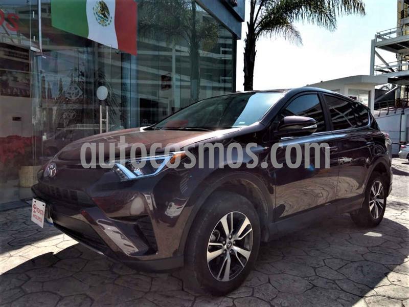Toyota RAV4 LE usado (2018) color Violeta precio $315,000