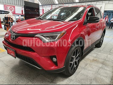 Toyota RAV4 SE 4WD usado (2017) color Rojo precio $379,000