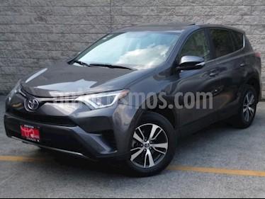 Toyota RAV4 5P XLE L4/2.5 AUT usado (2016) color Gris precio $290,000