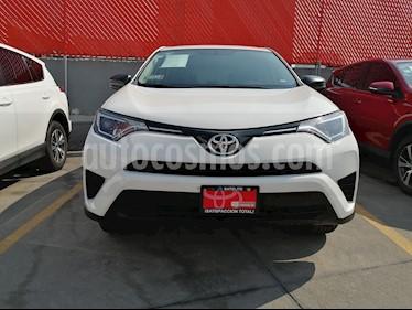 Toyota RAV4 LE usado (2017) color Blanco precio $314,000