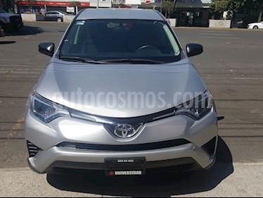 Toyota RAV4 2.5L Base usado (2017) color Plata precio $285,000