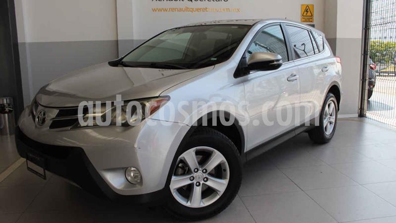 Toyota RAV4 XLE 4WD usado (2013) color Plata precio $220,000