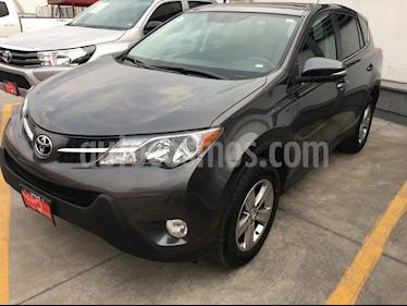 Toyota RAV4 XLE usado (2015) color Gris Oscuro precio $249,000