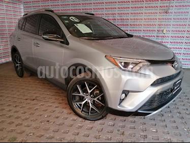 Toyota RAV4 SE 4WD usado (2016) color Plata precio $320,000