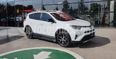 Toyota RAV4 SE 4WD usado (2016) color Blanco precio $344,000