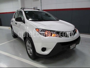 Toyota RAV4 LE usado (2015) color Blanco precio $250,000