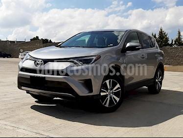 Foto Toyota RAV4 XLE usado (2016) color Plata precio $310,000