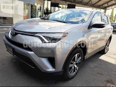 Toyota RAV4 5p XLE L4/2.5 Aut usado (2018) color Plata precio $330,000