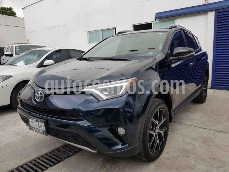 Toyota RAV4 SE 4WD usado (2017) color Azul precio $329,000