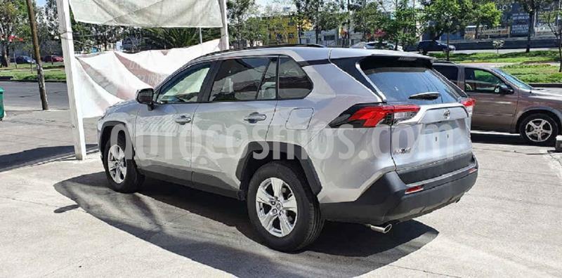Toyota RAV4 XLE 4WD usado (2020) color Plata precio $446,000