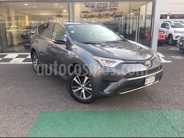 Toyota RAV4 XLE Plus 4WD usado (2018) color Gris Oscuro precio $398,960